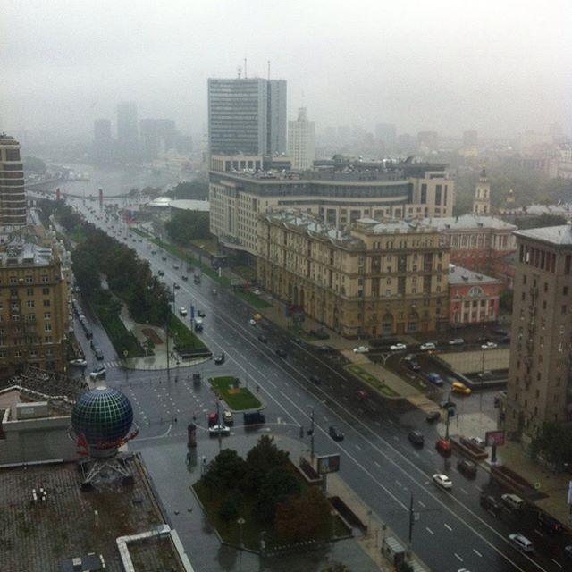 Москва дождливая